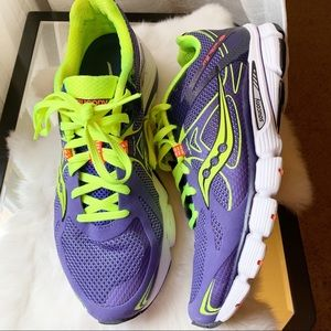 Saucony Mirage IV 4 running sneakers purple shoes